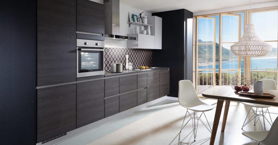 nieuwe keuken met kookeiland